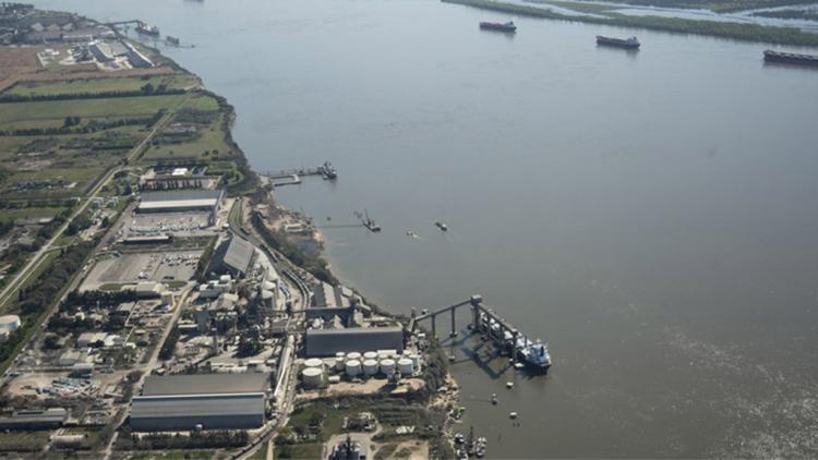 Agroexportaciones: el paro en los puertos de Rosario cumple seis días
